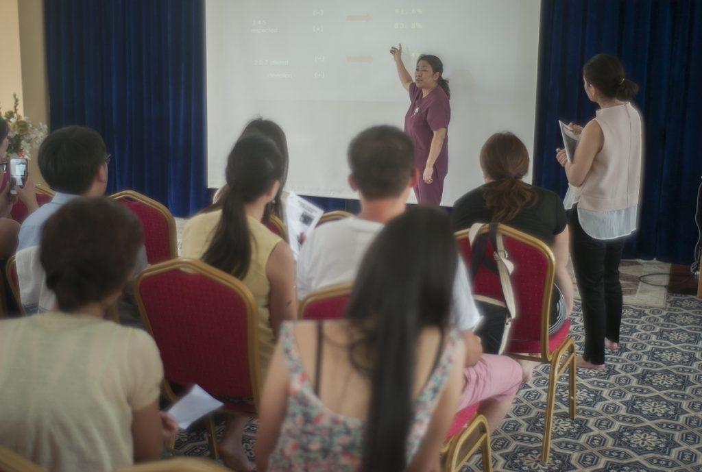 まず、プロジェクト代表の近藤先生の講義です。