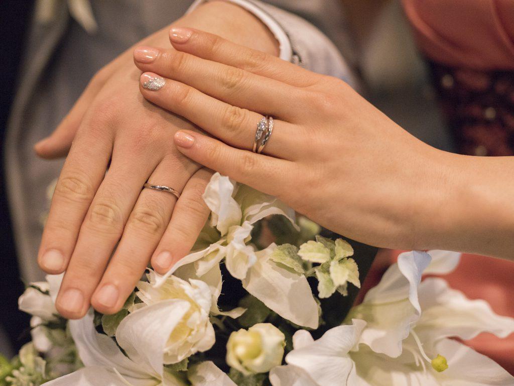 結婚といえば100人中99.5人が撮る大定番ショット。